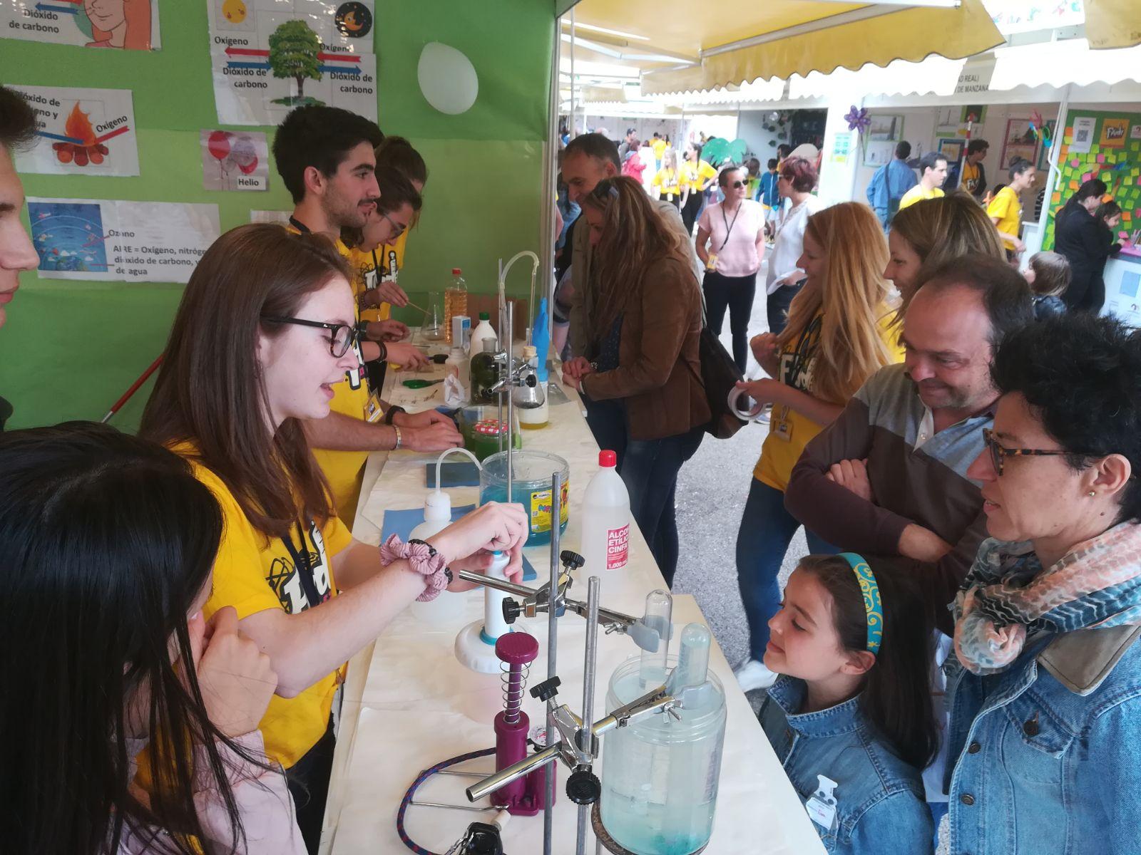 """El IES Modesto Navarro participa en el """"Finde Científico"""""""