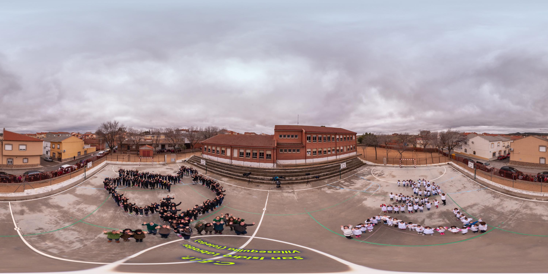 El colegio de Villasequilla alza la voz por la paz
