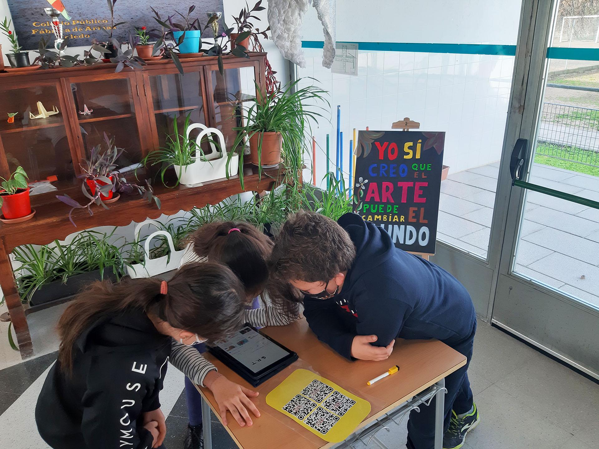 """Cómo montar un """"breakout"""" educativo. Ejemplo en el Colegio Fábrica de Armas de Toledo, con motivo del Día Internacional de la Mujer y la Niña en la Ciencia"""