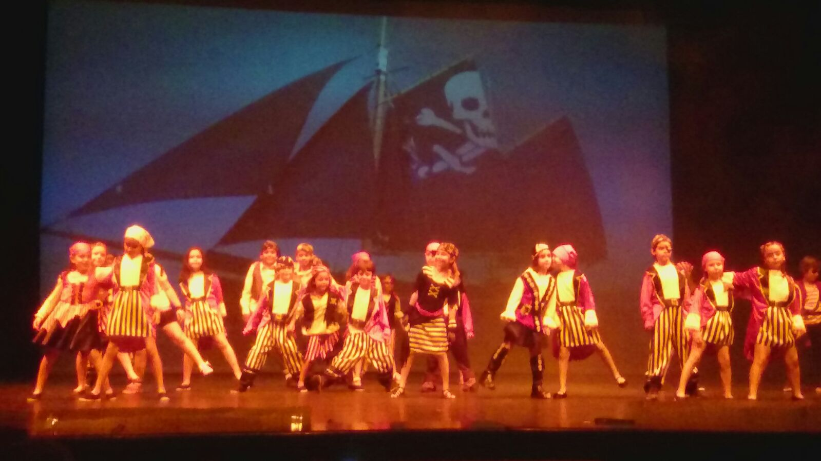 "XI Festival Sunshine ""Adventures of the sea"" del CEIP San Ildefonso"